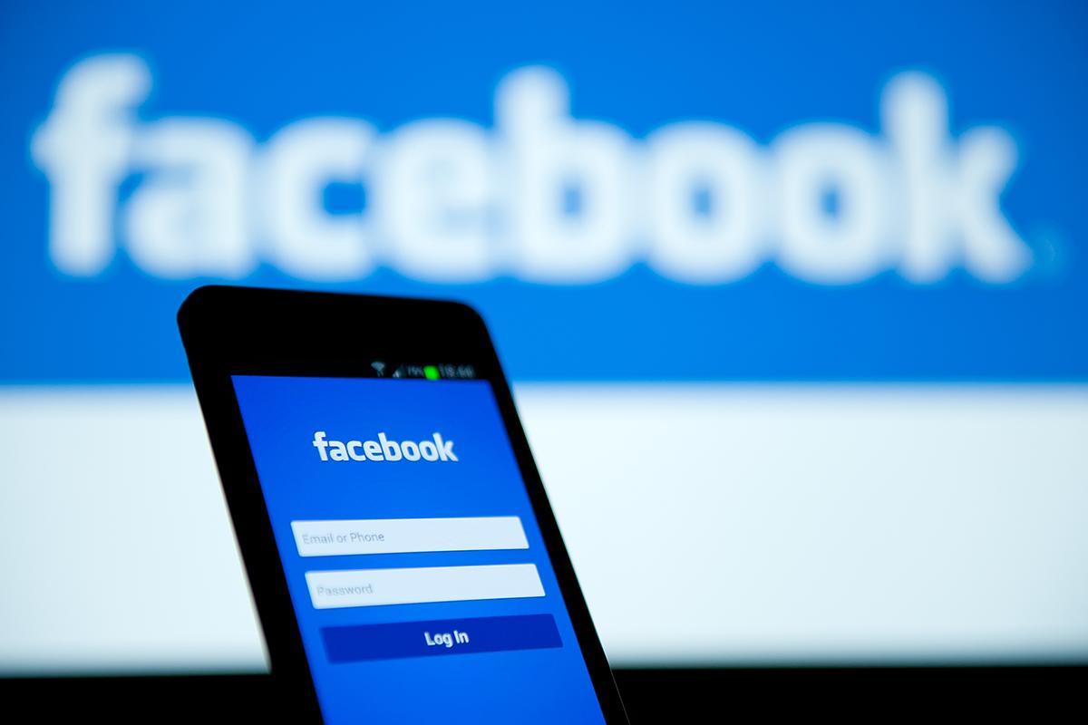 Facebook 2 mil millones Juan Manuel Torres Esquivel