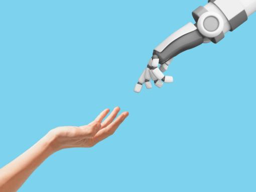 Deben tener derechos los robots, en la imagen se muestra una mano de robot y una humana haciendo el nacimiento de una nueva especie