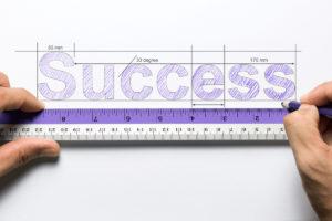 la imagen muestra una frase sobre el éxito profesional