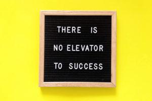 el éxito profesional es un camino largo y trotuoso